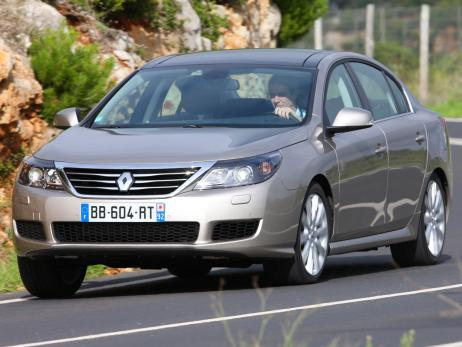 Renault-Латитюд