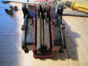 IMG 28951 300x225 Колодки тормозные передние   замена своими руками