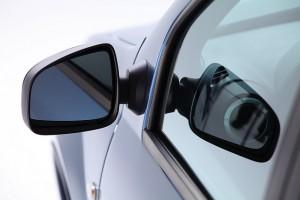 фото машины рено логан -зеркала боковые