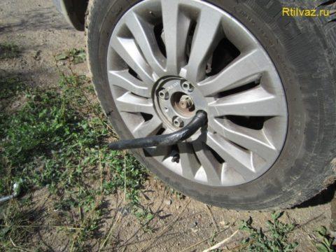 Замена шаровых опор, колеса