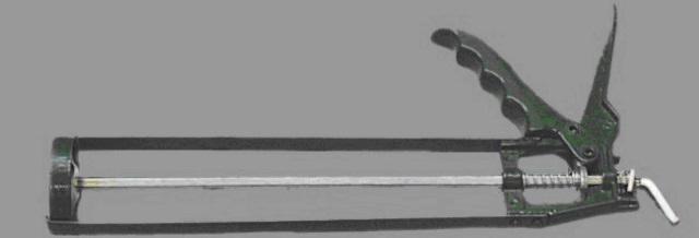 Специальный шприц для тубы клея